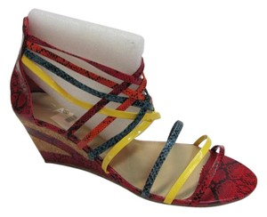 Carrini Size 10.00 M Zipper In Back Very Good Condition Reptile Design Red, Green, Orange, Yellow, Sandals