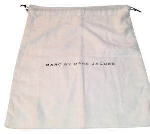 Marc Jacobs MARC BY MARC JACOBS DRAWSTEING DUST BAG 12.5
