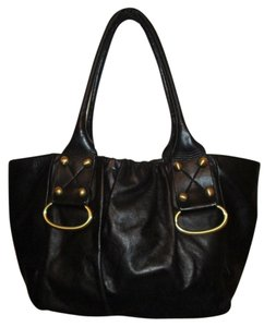 Perlina Leather Tote in black