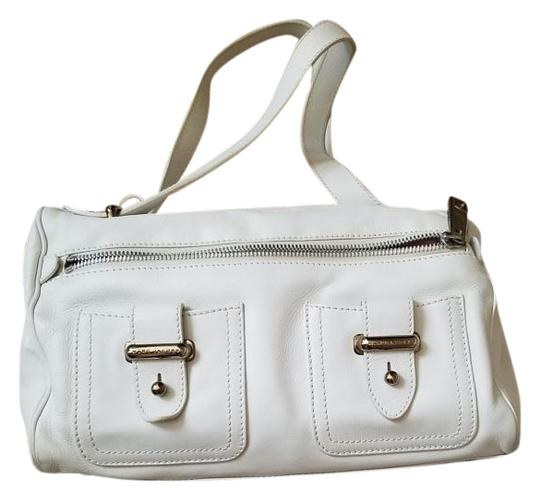 Preload https://img-static.tradesy.com/item/19035364/marc-jacobs-style-5041-small-white-calfskin-leather-suede-interior-tote-0-1-540-540.jpg