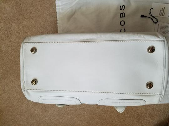 Marc Jacobs Shoulder Tote in White Image 4