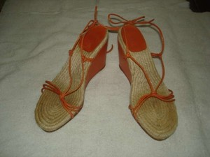 Hermes tan/orange Wedges