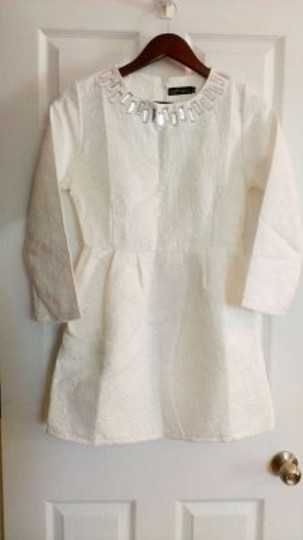 Preload https://item5.tradesy.com/images/white-tunic-cotton-blend-with-brocade-finish-rhinestone-formal-wedding-dress-size-4-s-190424-0-0.jpg?width=440&height=440