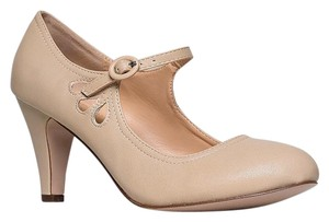 Chase & Chloe Closed-toe Garden Beige Pumps