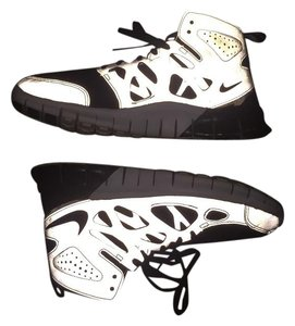 0254fa7dd436 Black Nike Sneakers - Up to 90% off at Tradesy
