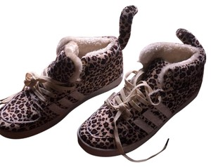 Leopard sneakers Athletic