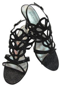 Nine West Size 10.00 M Sparkling Very Good Condition Black Sandals