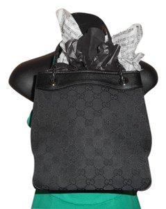 Gucci Gg Drawstring Bucket Tote in Black