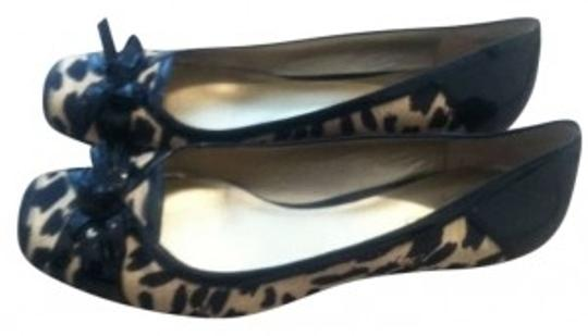 Bandolino Comfortable Black and Tan Leopard Print Flats
