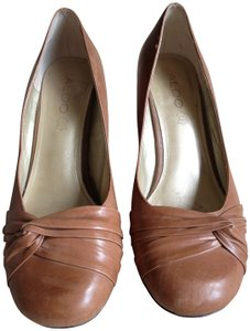 Aldo tan Pumps