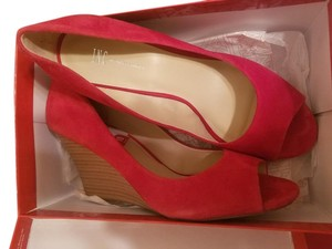 INC International Concepts Red Wedges