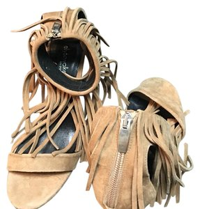 ElyseWalker Los Angeles Sandals