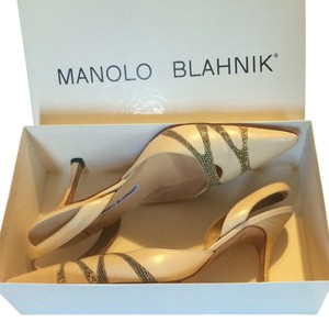 Manolo Blahnik Cream/beige Pumps