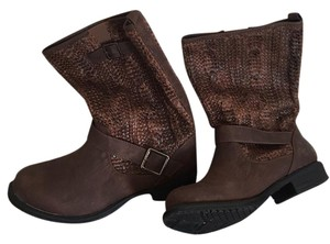 Clabel Brown Boots