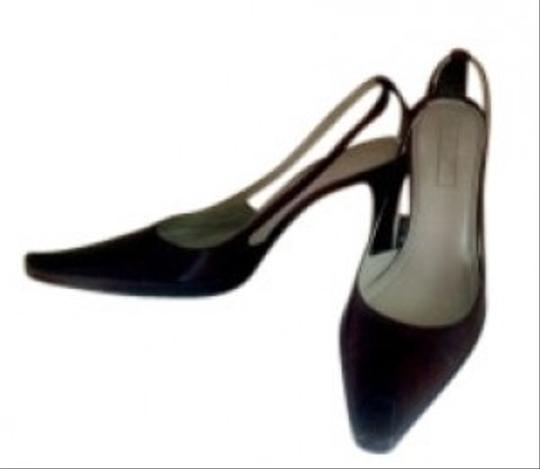 Unisa Brown Pumps