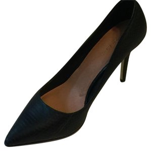 Maiden Lane Black Pumps