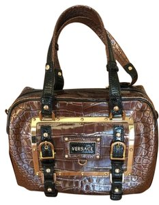 Versace Studs Buckle Leather Patent Leather Tote in Brown