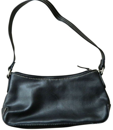 Preload https://img-static.tradesy.com/item/190561/target-black-leather-like-shoulder-bag-0-0-540-540.jpg