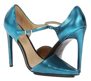 L.A.M.B. L.a.m.b. Pointed Toe Size 8 Teal Pumps