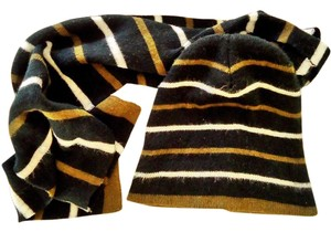 Gold Medal matching hat and scarf set warm fashionable comfortable