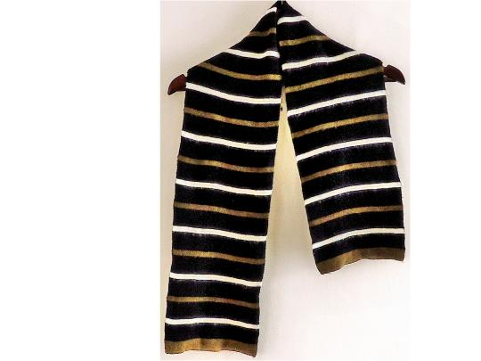 Gold Medal matching hat and scarf set warm fashionable comfortable Image 2