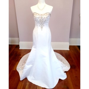 Alfred Angelo Alfred Angelo Strapless Crystal Embellished Wedding Dress Wedding Dress