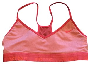 a343c48f38 Women s Nike Active Sports Bras - Up to 90% off at Tradesy