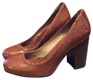 Frye Cognac Brown Pumps