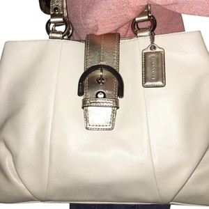 Coach Tote in White/Gold