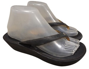 Olukai black Sandals