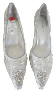 Karen Scott 2.5 Inch Heel SILVER BEADED Pumps