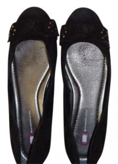 Preload https://item4.tradesy.com/images/bandolino-black-suede-casual-flats-size-us-85-190783-0-0.jpg?width=440&height=440