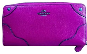 Coach F52646 Leather Accordian Zip Mickie Wallet