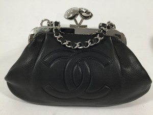 Chanel Leather Evening Wristlet in Black