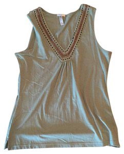 Old Navy Top green with wooden beads