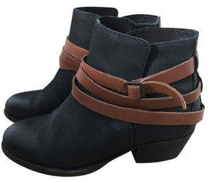 Madewell Leather Bootie Boot Black/Brown Boots