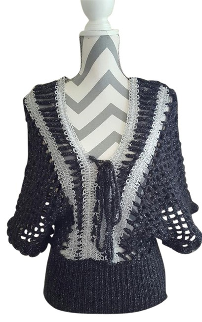 Preload https://img-static.tradesy.com/item/19084516/alberto-makali-and-silver-knitted-see-through-gray-sweater-0-1-650-650.jpg