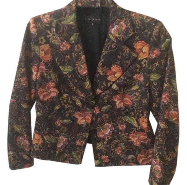 Preload https://item3.tradesy.com/images/floral-blazer-size-8-m-19084537-0-1.jpg?width=400&height=650