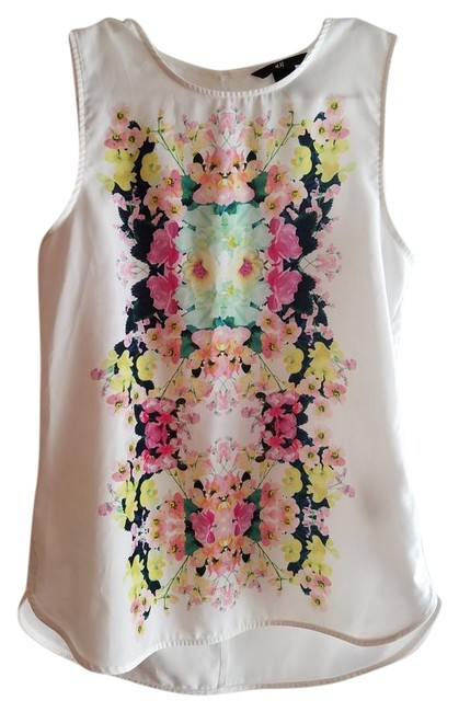 Preload https://item5.tradesy.com/images/h-and-m-white-and-floral-blouse-size-4-s-19085899-0-1.jpg?width=400&height=650