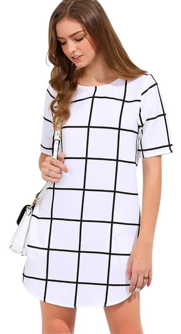 Preload https://item3.tradesy.com/images/white-black-summer-mini-short-casual-dress-size-2-xs-19085977-0-1.jpg?width=400&height=650
