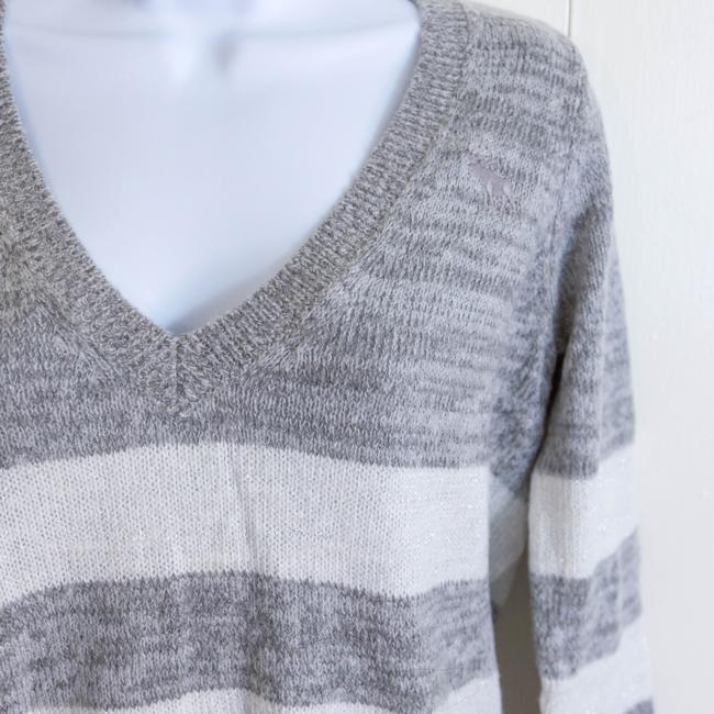 Abercrombie & Fitch V-neck Striped Sweater