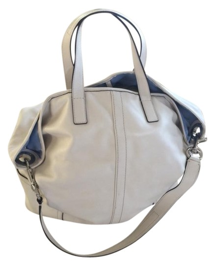 Preload https://img-static.tradesy.com/item/19086859/coach-classic-off-white-leather-hobo-bag-0-2-540-540.jpg