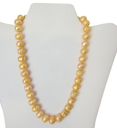 Preload https://img-static.tradesy.com/item/19089262/pearlfection-14kt-ringed-ridge-peach-pearl-18-necklace-0-2-540-540.jpg