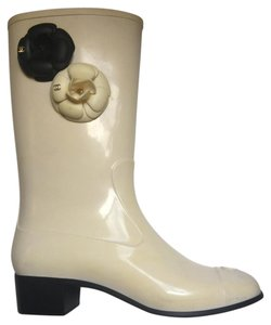 Chanel Classic Vintage white Boots