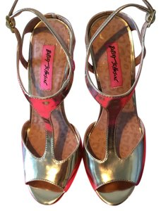 Betsey Johnson Leather Comfortable Gold Sandals