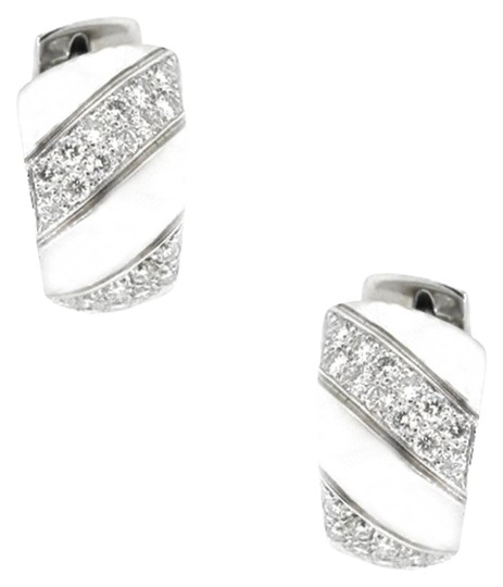 Preload https://img-static.tradesy.com/item/19090042/18k-white-gold-150ct-diamond-hoop-174-grams-earrings-0-2-540-540.jpg