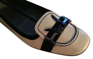 Tod's Cute Comfortable Stylish Work To Night Out Classic Ivory Flats