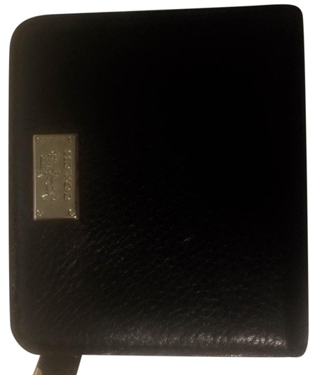 Preload https://item3.tradesy.com/images/coach-black-leather-wallet-19096627-0-1.jpg?width=440&height=440