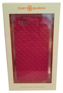 Tory Burch NWT Tory Burch iPhone 6 Fleming Silicone Case in Pink