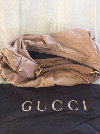 Gucci Leather One Shoulder Excellent Condition Like New Dust Satchel in Tan with Gold embellishments